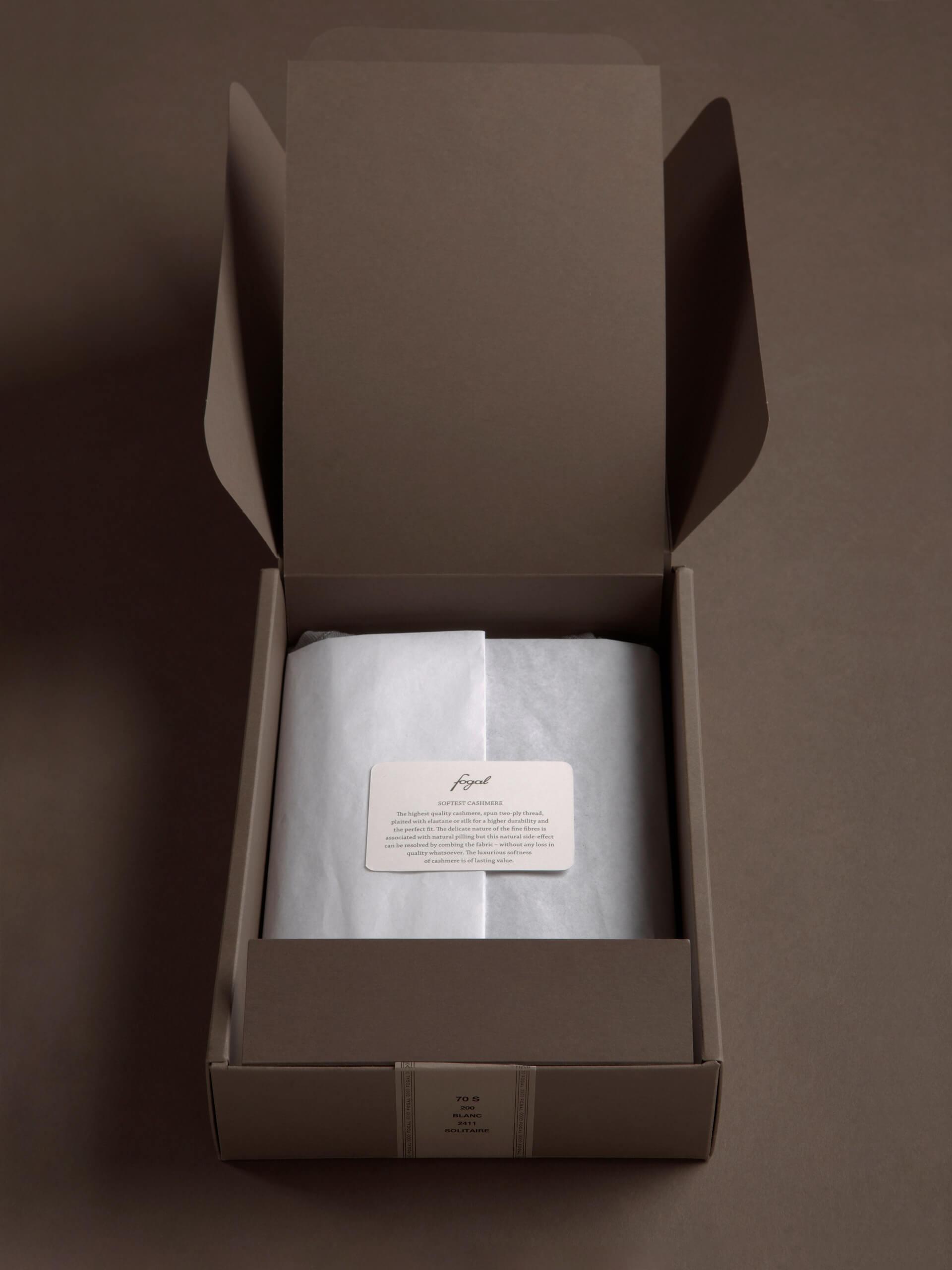 fogal-open-packaging-2