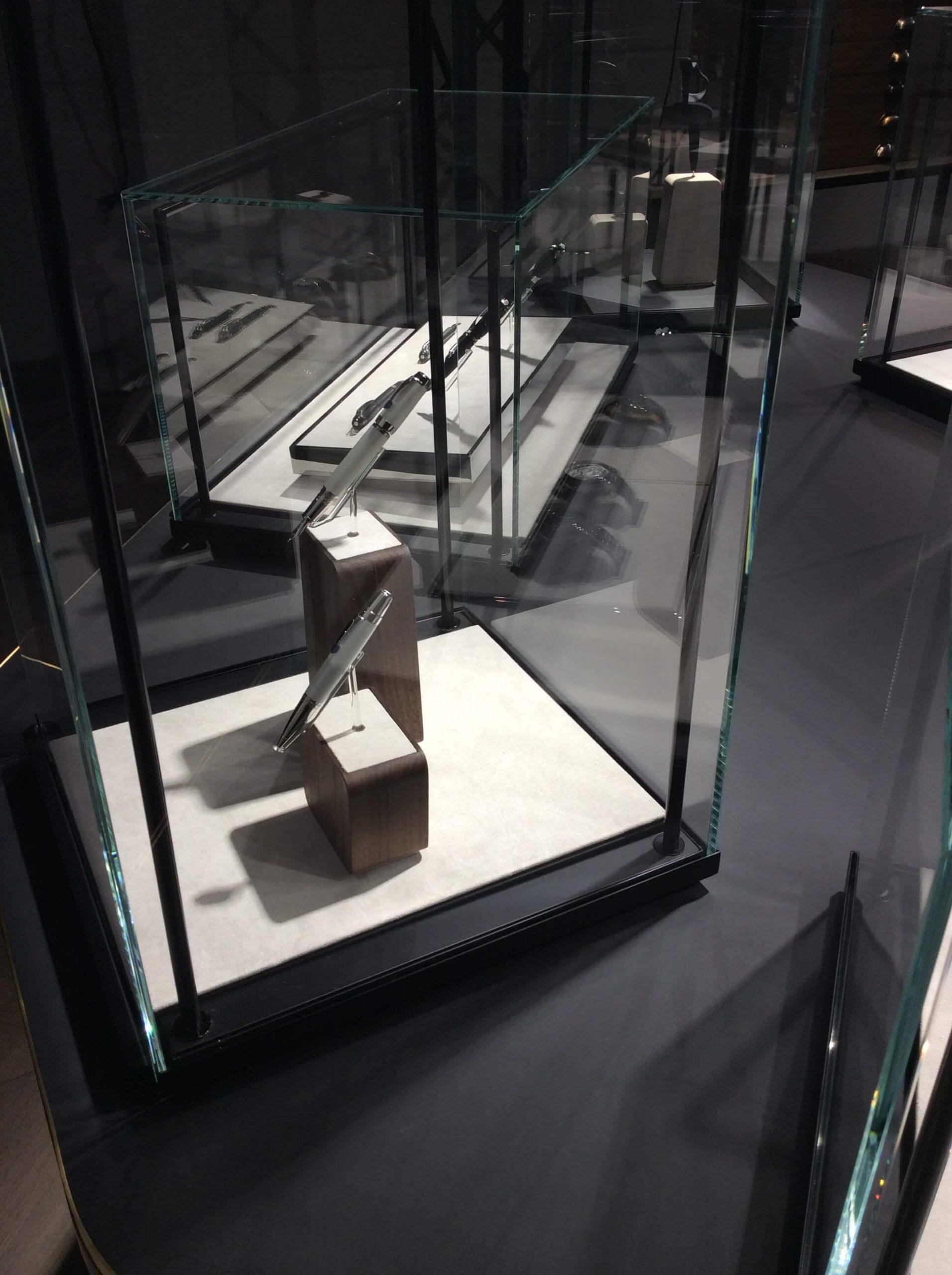 montblanc-pos-display-4